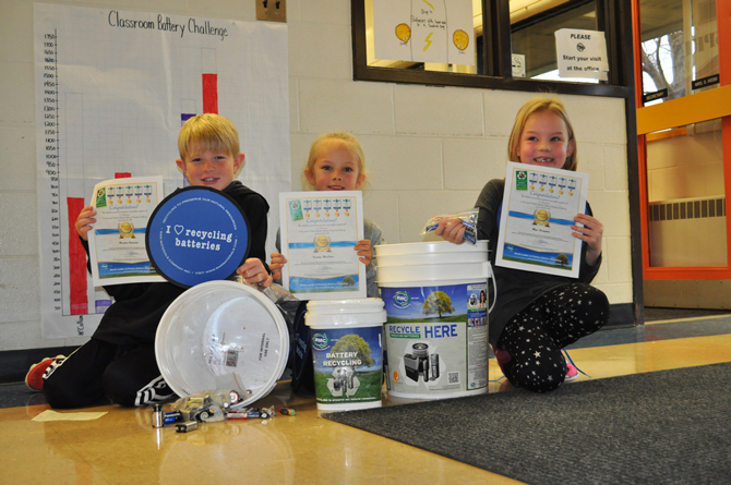 Students pose for a picture for the Ontario Schools Battery Recycling Challenge.